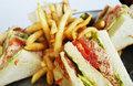 シーグリルレストランのベーコンレタスクラブサンドイッチ