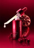 シュウウエムラの赤い美容液