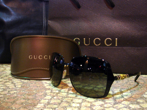 120109-gucci-sale.jpg