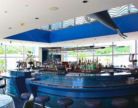 コメットグアム内のレストラン『テールオブザホエール』では、無料でWi-Fiが利用できます。