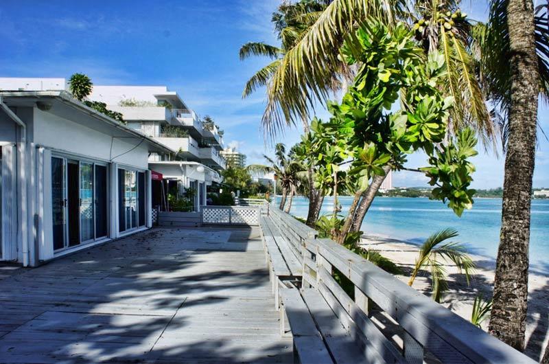 タモンのビーチフロントに位置する、唯一の一軒家がこの『107 Halekulani』です。