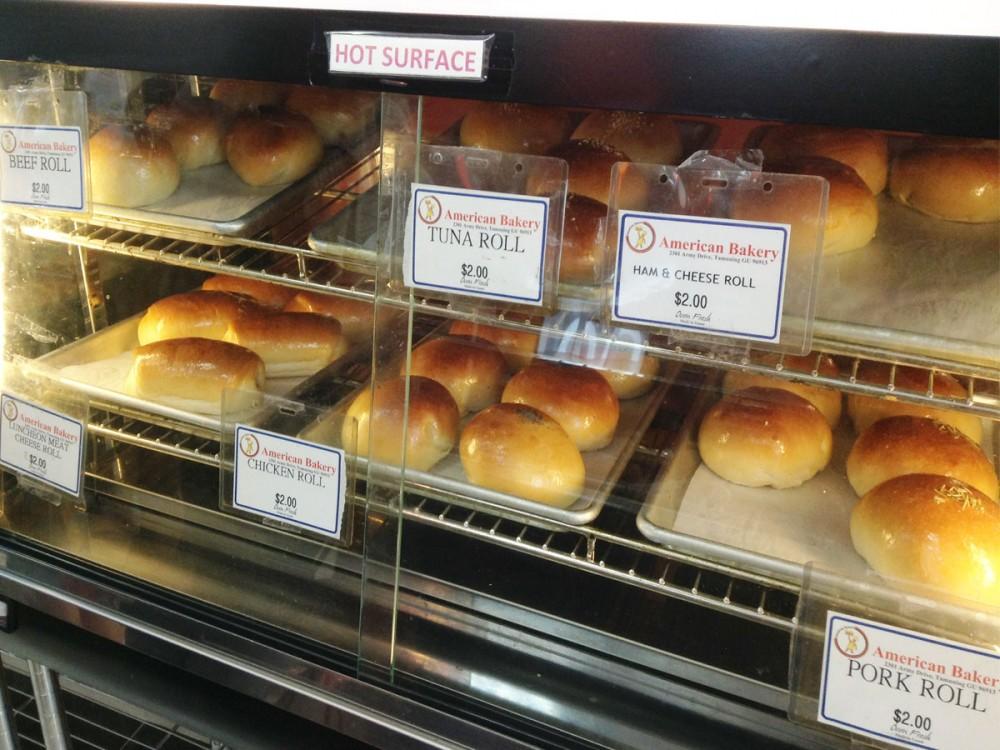 様々なパンが楽しめます (アメリカンベーカリー)