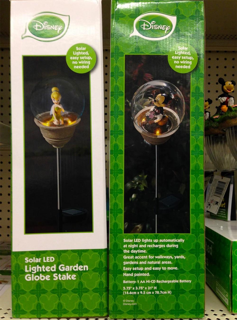ガラスボールの中に座ったミッキーとティンカーベル ディズニーのLEDガーデンライト