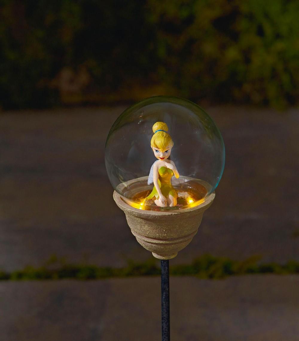 メルヘンチックなガラスボールの中にチョコンと座ったティンカーベル ディズニーのLEDガーデンライト