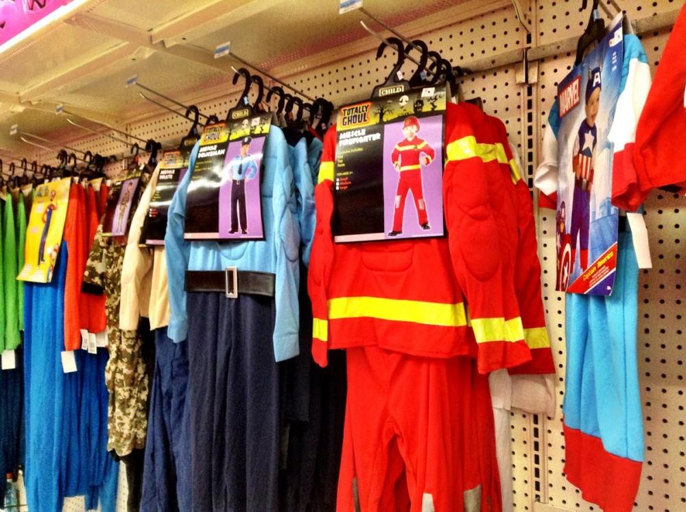 ハロウィーンのための子供向け衣装 Kマート