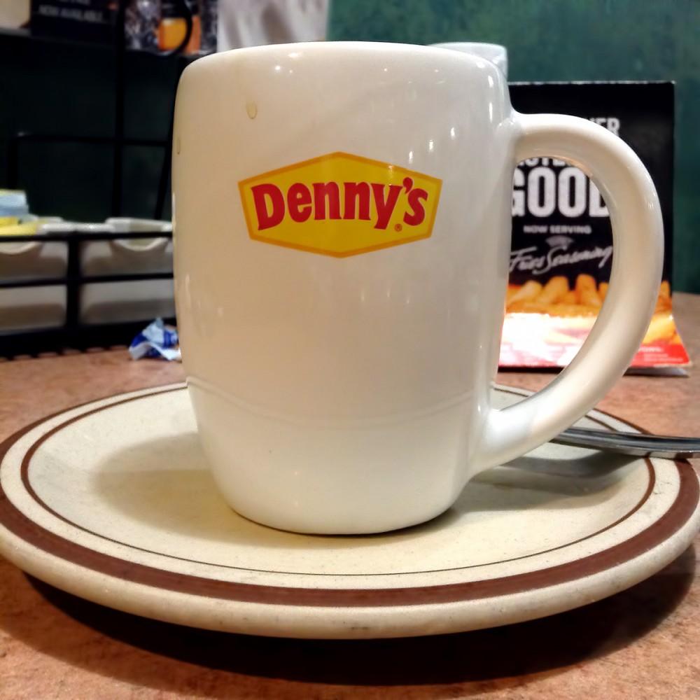 グアムのデニーズは、コーヒーお代わり自由です。