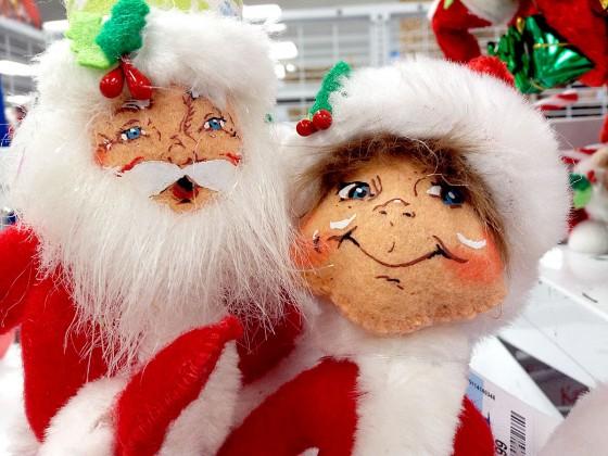 ロスドレスフォーレスもクリスマスモードです (グアムプレミアアウトレット)
