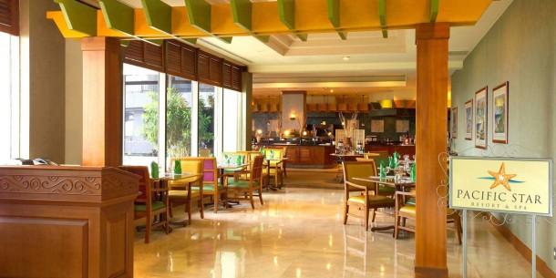 パシフィックスターリゾート&スパ内のレストラン「パシフィックスターカフェ」