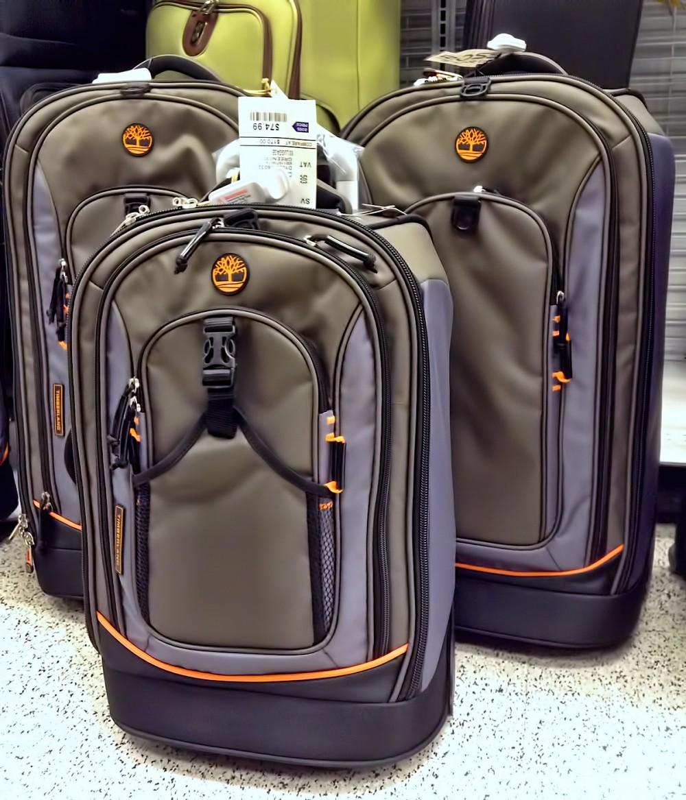 ティンバーランドのスーツケース (ロスドレスフォーレス)