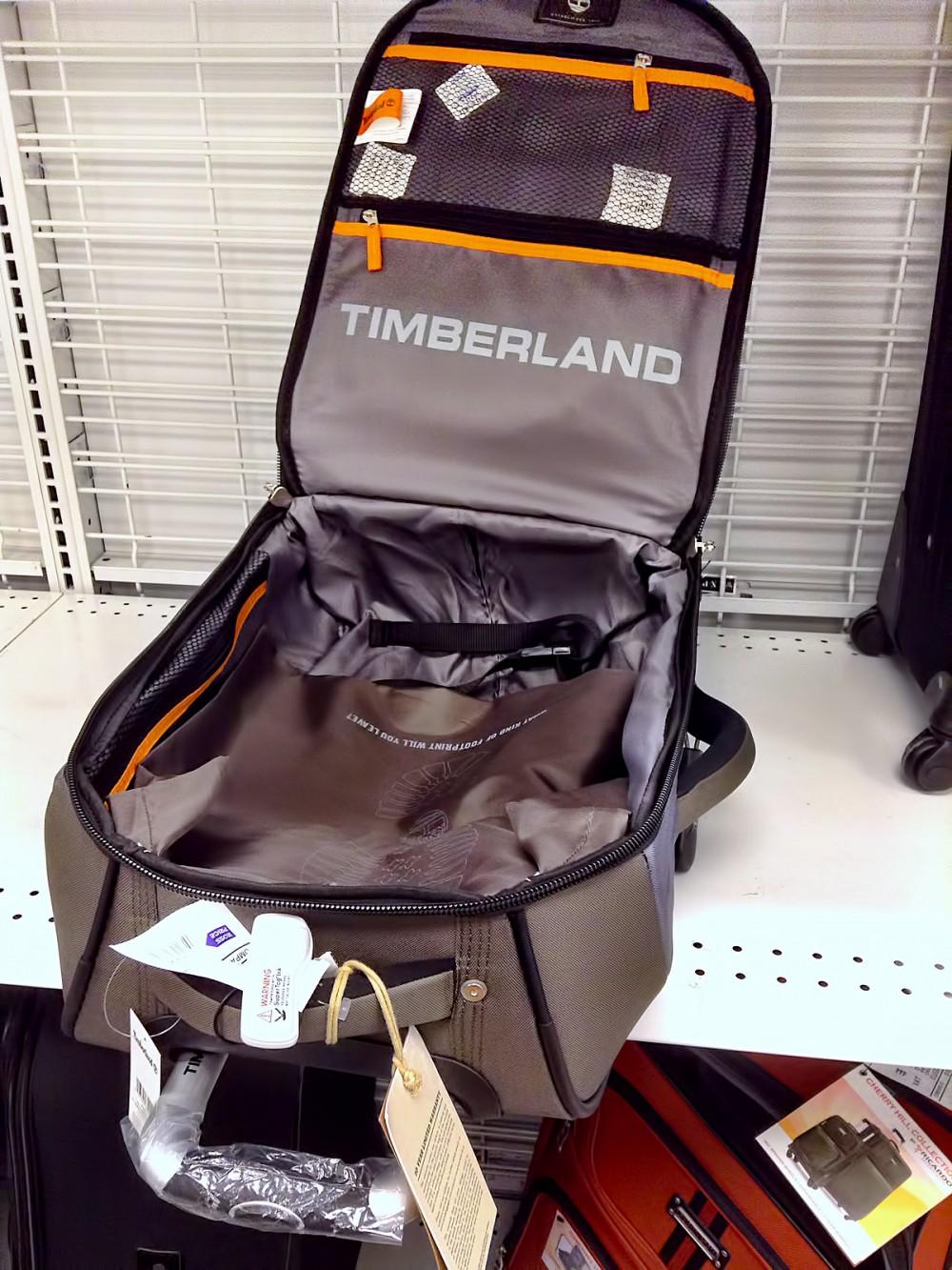使いやすい内装 ティンバーランドのスーツケース (ロスドレスフォーレス)