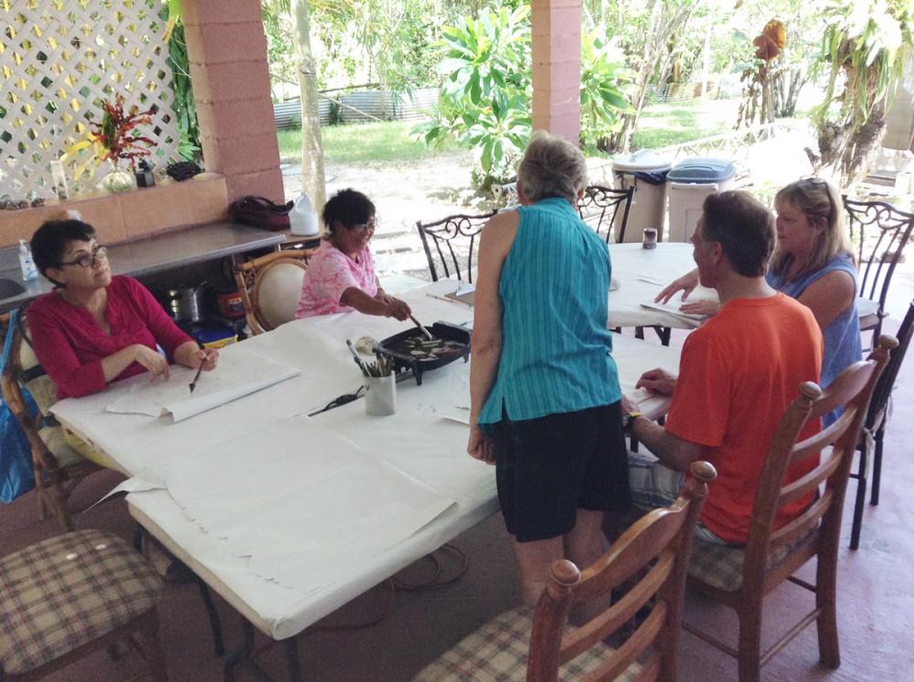 バティックをグアムで習おう ジュディフローレスさんのバティックワークショップ