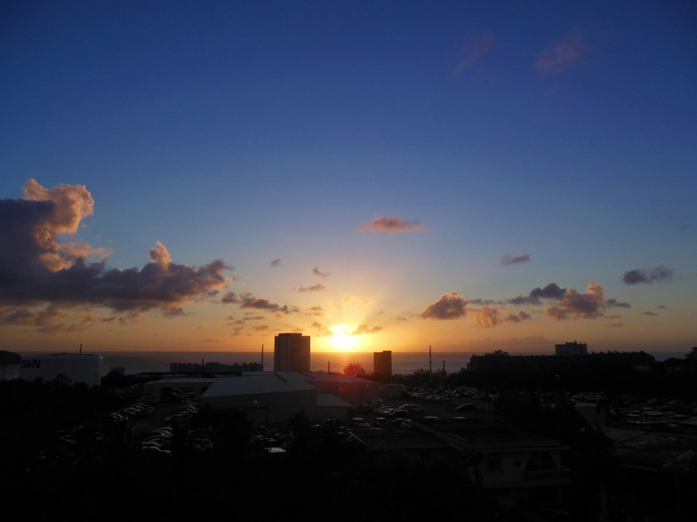 タモン湾に沈む夕陽