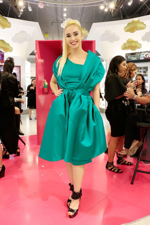 バービー人形みたい! ファッションパックパーティー M.A.C Tギャラリアグアムのビューティーイベント