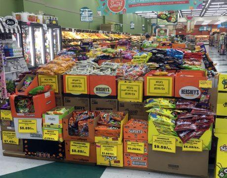 ハロウィン限定のアメリカン菓子 (ペイレススーパーマーケット)