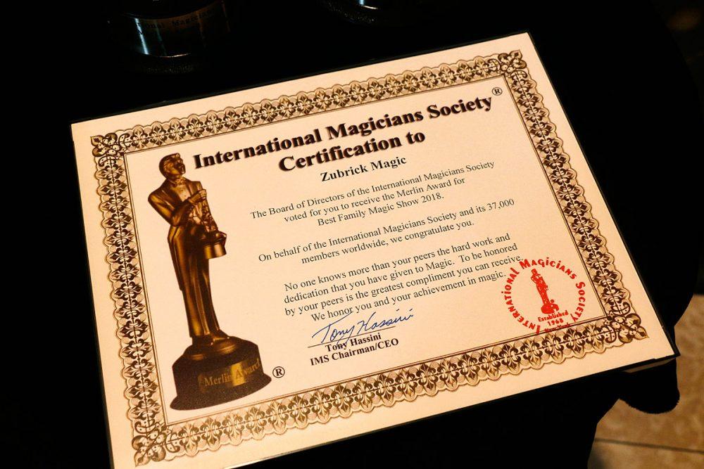 国際マジシャン協会(International Magician's Society)のMerlinアワード (サンドキャッスル)