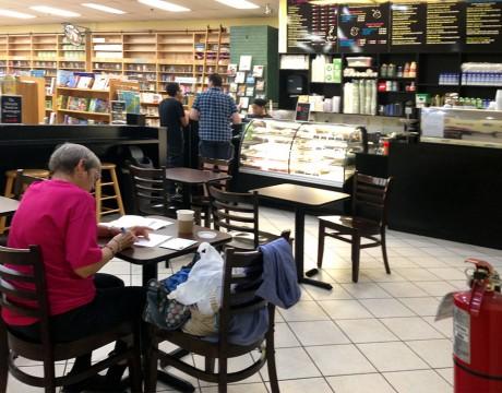 ベストセラーブックストア内にあるカフェ