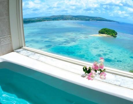 バスルームからアルパット島を望む オンワードビーチリゾートホテル