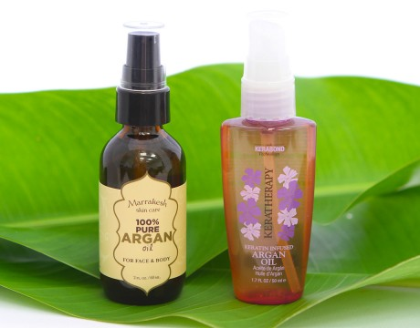 「KERATHERAPY(ケラセラピー)/Keratin Infused Argan Oil ($26.00)」と「Earthly Body(アースリーボディ)/Marrakesh 100% Pure Argan Oil For Face & Body ($29.00)」