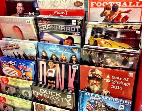セレブリティや映画、ハイパフォーマンスカーなど、様々なテーマを扱った2015年のカレンダー Kマート