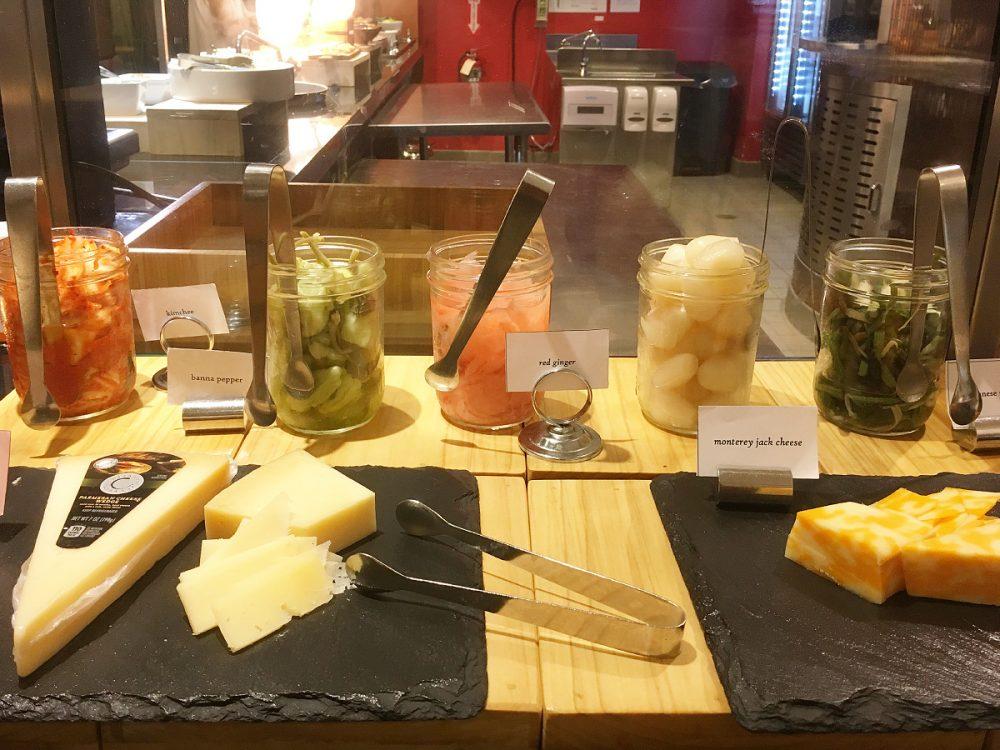 各種チーズ ルーツの週替わりランチメニュー
